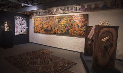 Vista de sala. Obras de Ricardo Migliorisi, Carlos Colombino, Benjazmín Ocampos, Alfredo Quiroz y talla popular. © Laura Mandelik