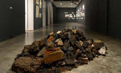 Ana Baumann. Asfaltos, 2020. Instalación. © Cristian Palacios Feltes