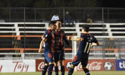 Con la victoria, Cerro Porteño se convirtió en el primer equipo en ganar 10 partidos consecutivos en un mismo torneo. Foto: @CCP1912oficial.