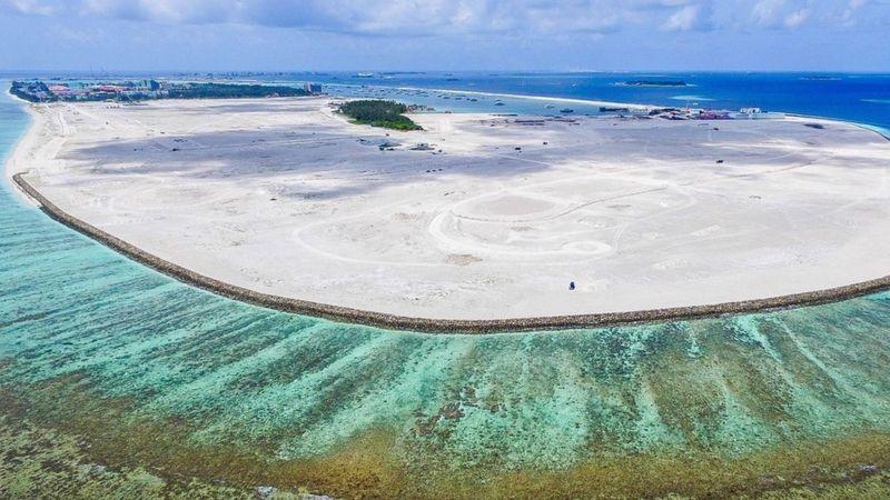 Maldivas quiere sobrevivir al imparable aumento del nivel del mar. Foto: BBC