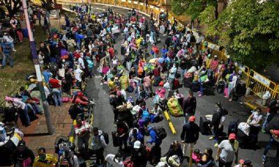 Almenos500venezolanos queestabanvarados enColombia por el cierre de la frontera. Foto: Dw
