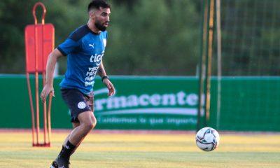 Alberto Espínola volverá al equipo en lugar de Robert Rojas. En el medio se espera el ingreso de Richard Sánchez por Mathías Villasanti. Foto: @Albirroja.
