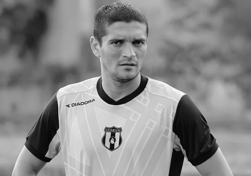 Édgar Aranda jugó como defensor en Atlético Colegiales, 3 de Febrero, Guaraní, Independiente, Capiatá y Teniente Alcides González. Foto: @SrFutbolPy.