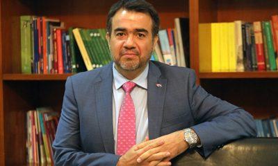 Oscar Llamosas, ministro de Haccienda. Foto: MH