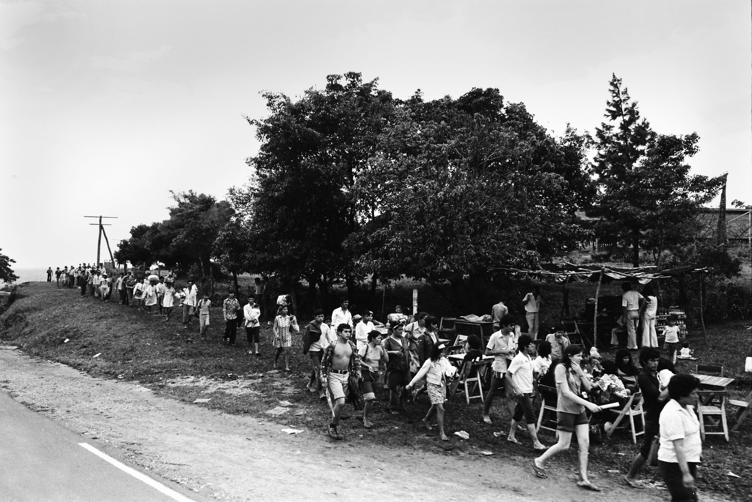 Camino a Caacupé, 1975 © José María Blanch