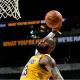 LeBron James es el primer jugador del básquetbol estadounidense en alcanzar los 1.000 partidos con un goleo de al menos diez puntos. Foto: nba.com.
