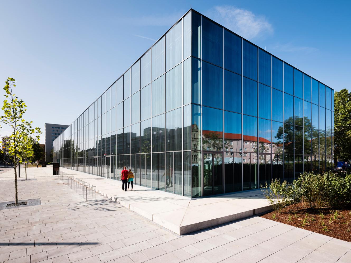 https://www.plataformaarquitectura.cl/cl/925644/museo-bauhaus-dessau-addenda-architects/5d8faf75284dd19b1700046c-museo-bauhaus-dessau-addenda-architects-foto