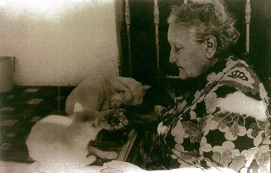 Josefina Plá, ya mayor (Archivo).