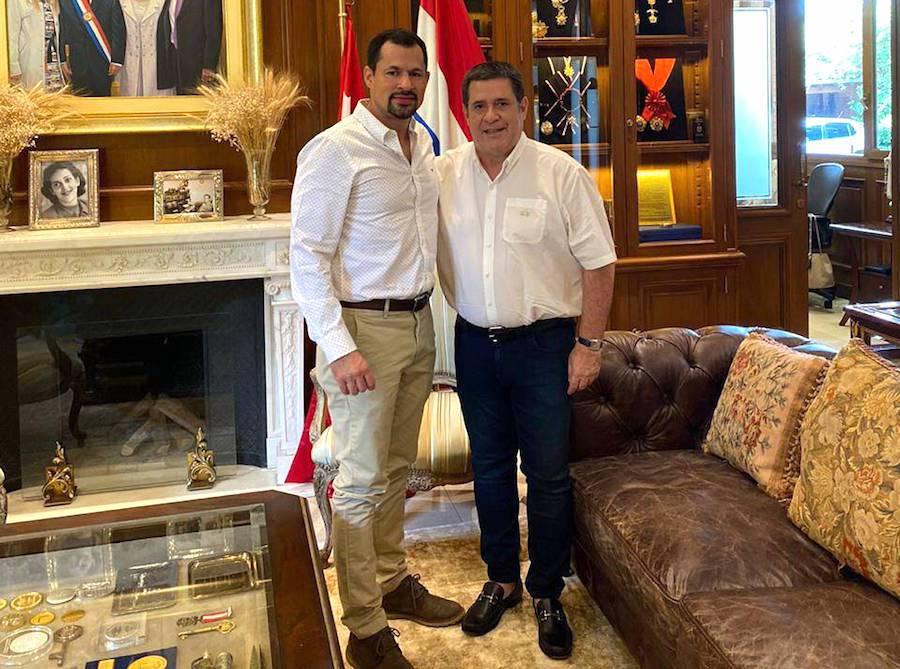 El diputado Ulises Quintana y Horacio Cartes. Foto: Twitter.