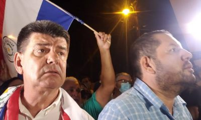 El presidente del PLRA Efraín Alegre llegó pasadas las 20:00 a su lugar de reclusión, escoltado por decenas de simpatizantes desde la sede partidaria del centro de Asunción. Foto: Gentileza