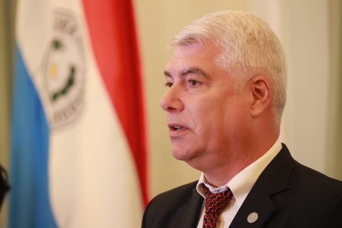 El ministro Arnoldo Wiens requerido por acceso a la informción pública de su cartera. Foto: Archivo