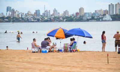 Las playas encarnacenas funcionan en virtud de un protocolo de burbujas sociales aprobado por Salud Pública. Foto: Gentileza
