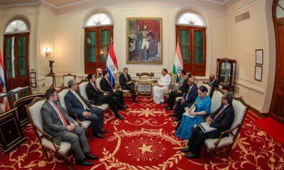 En 2019 el presidente Mario Abdo Benítez recibió al vicepresidente de la India Venkaiah Naidu en visita oficial. Foto: IP