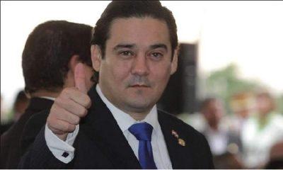 Enrique Salyn Buzarquis, senador. Foto: Archivo