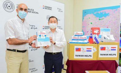 La donación fue recibida por el ministro de Salud, Julio Mazzoleni. Foto: Embajada de Taiwán.