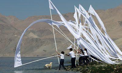 Enterrar las banderas en el mar, de Miguel Braceli
