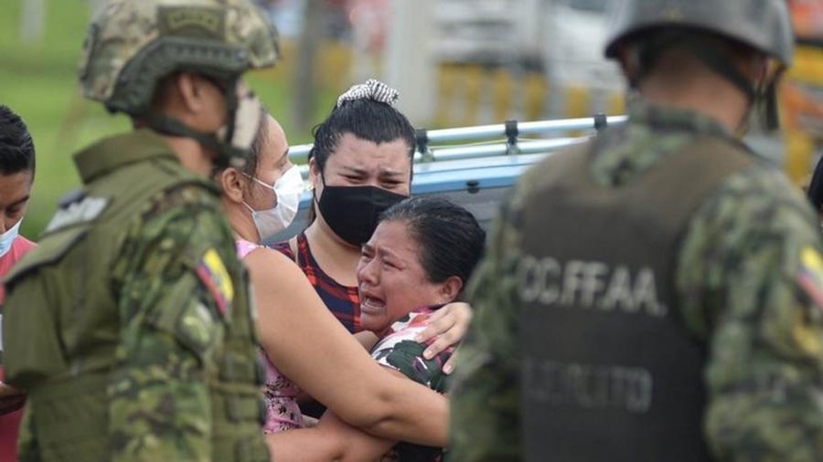 Los familiares de los presos al enterarse de los sucesos. Foto: BBC