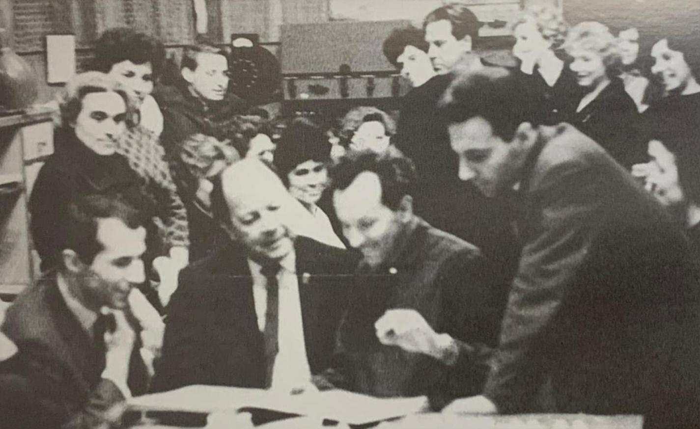 Flores con el director ruso Yuri Aranovich y el tenor Vladimir Majov. Moscú, 1969