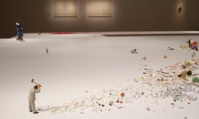 """Liliana Porter, """"El hombre con el hacha y otras situaciones breves"""", 2013 (imagen de referencia)"""