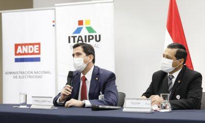 Federico A. González, director general paraguayo interino de la Binacional, y Félix Sosa, titular de la ANDE.