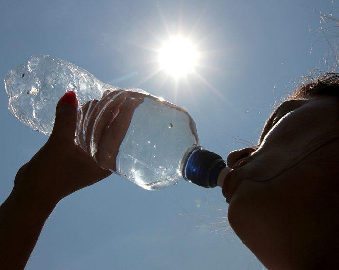 En días calurosos la hidratación es fundamental. Foto: Internet.