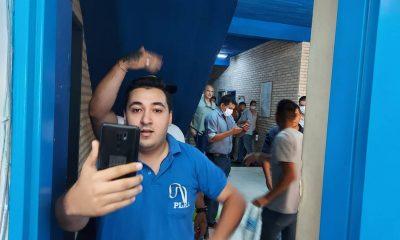 El ultra efrainista Stiben Patrón se disculpó por la agresión a Basilisa Vázquez pero ya era tarde. Foto: captura de video