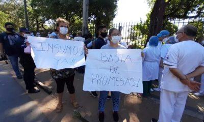 Horas desesperantes se viven en los hospitales públicos por la falta de medicamentos e insumos médicos. Foto: Captura de pantalla