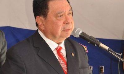 El embajador Julio Vera Cáceres.