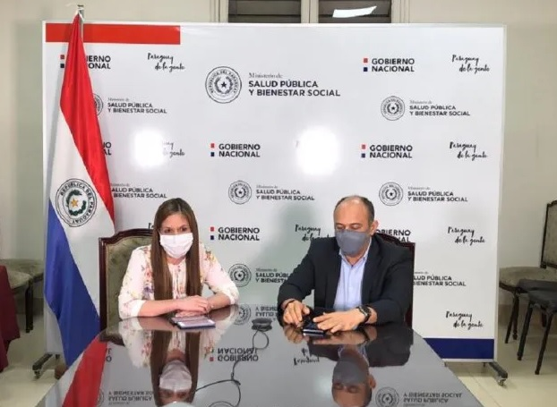 Carmen Marín y Julio Rolón en la conferencia de prensa de este miércoles. Foto: Hacienda