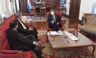 El vicepresidente recibió al obispo Edmundo Valenzuela. Foto: Vicepresidencia