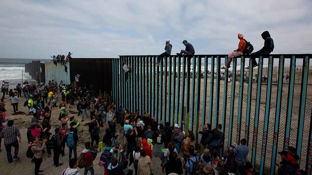 Más de 19 mil menores de edad fueron retenidos en la frontera de Estados Unidos con México. Foto: Télam.