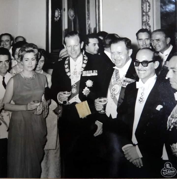 Recepción ofrecida en el Palacio en homenaje al príncipe.
