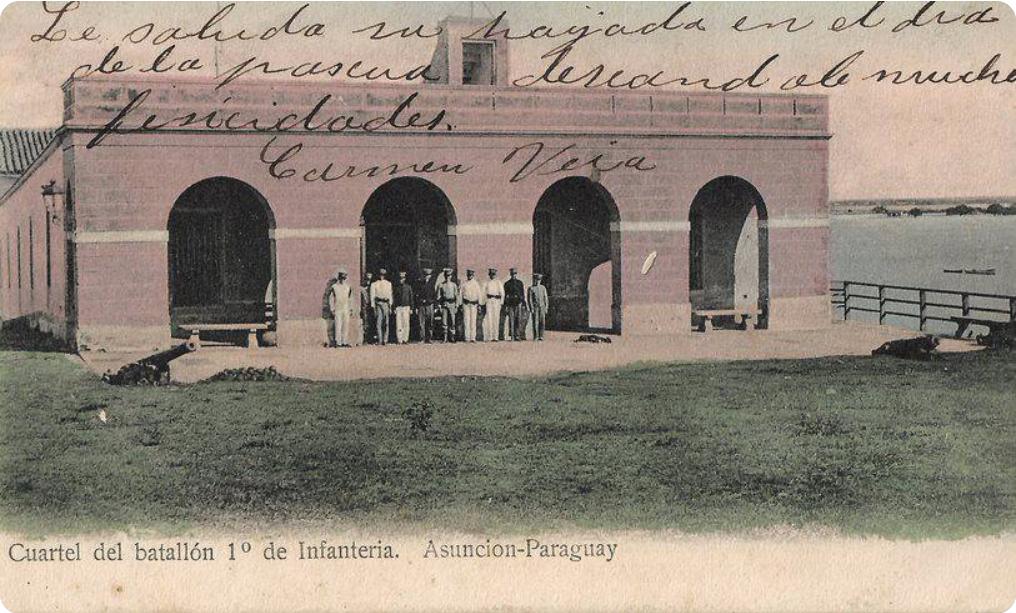 Cuartel del Batallón 1ª Línea. Muñoz Editores, 1906. Colección David Velázquez Seiferheld.