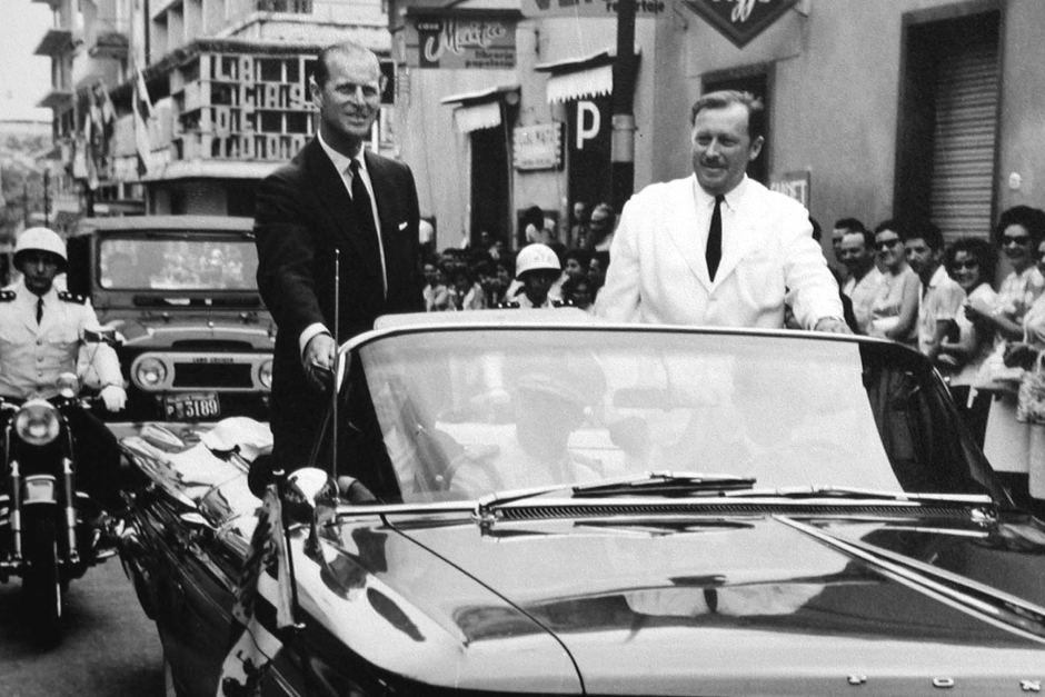 El príncipe recorrió las calles del centro de Asunción en compañía del entonces presidente del Paraguay, General Alfredo Stroessner. Foto: Colección de la familia Stroessner.