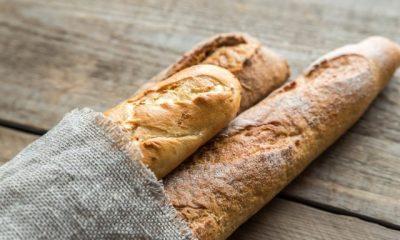 El pan baguette es tradicional de Francia. Foto: Internet.