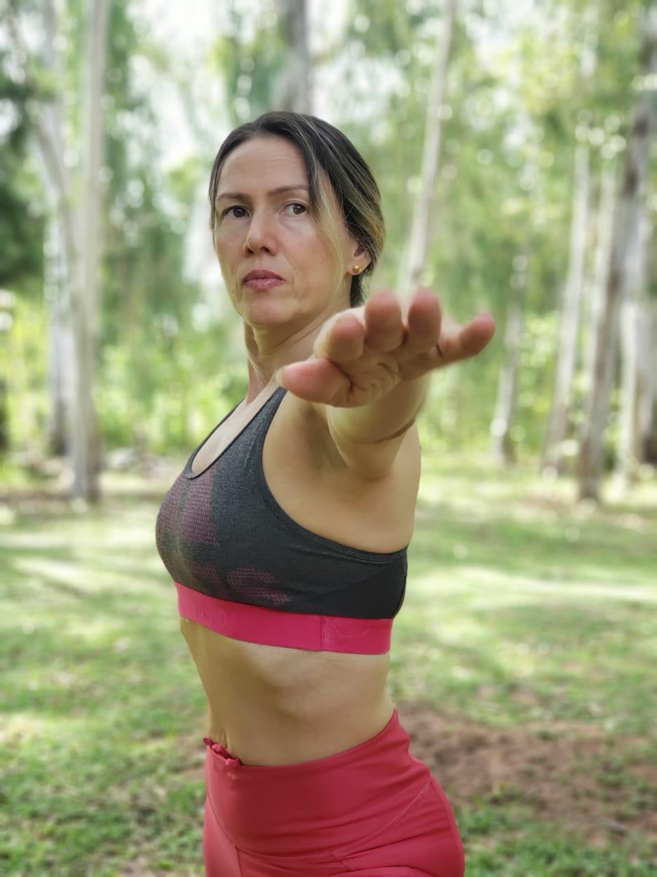 Cualquier persona puede practicar Yoga, desde los niños, ancianos, deportistas, embarazadas, todos, diceSonia Amarilla. Foto: Erik Hansen (Gentileza).