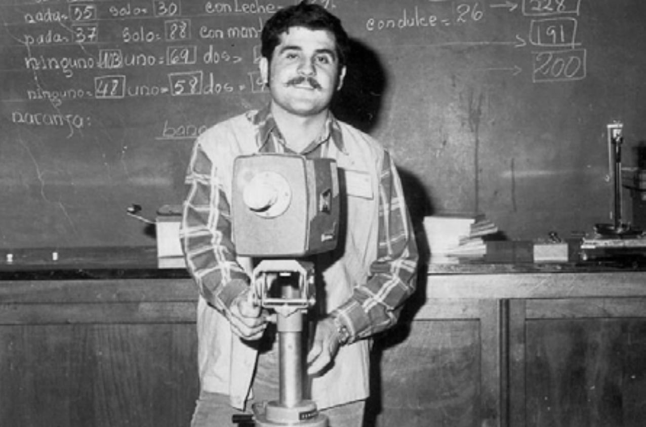 Santiago Leguizamón, periodista asesinado por el narcotráfico, también fue actor. Fue el gestor de las presentaciones de Aty Ñe'ẽ en Pedro Juan Caballero.
