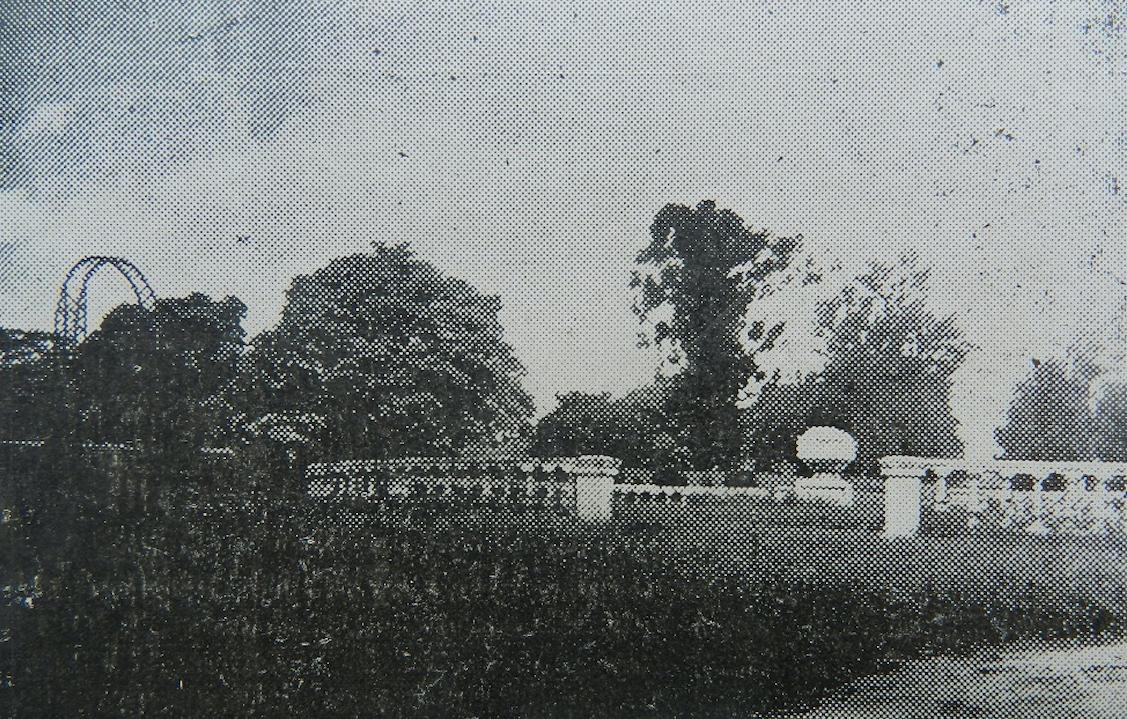 Jardín Romano, plazoleta circular, ca. 1930. Revista Municipal