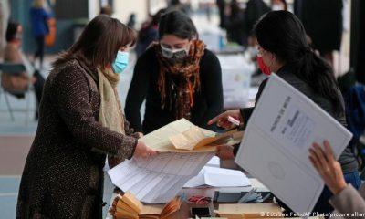 Los chilenos tuvieron que elegir entre 1.373 candidatos para integrar la Convención Constitucional. Foto: DW.