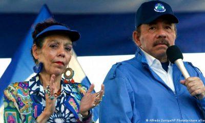 Daniel Ortega, presidente de Nicaragua, junto a suesposa y vicepresidenta, Rosario Murillo. Foto: DW.
