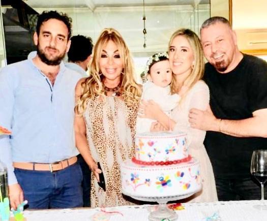 María Luz, Bruno y la familia de Kamal. Foto: Gentileza.