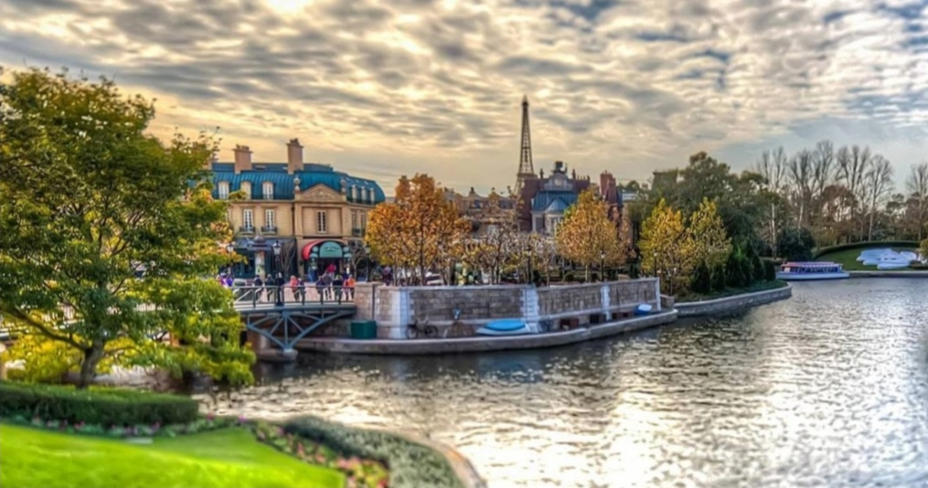 Este, por ejemplo, es el sector de Francia que está dentro del parque. Todas las culturas del mundo en un solo lugar. Blog Srita. Méndez.