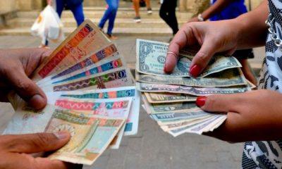 Los cubanos han incrementado el uso del dólar durante la pandemia. Foto: Getty.