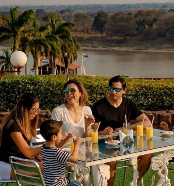 Unas mini vacaciones familiares pueden ser ideales para celebrar el Día del Padre. Foto: Yacht & Golf Resort.