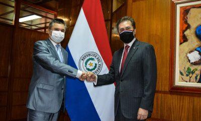 El embajador ruso den Paraguay, Alexander Pisarev y el canciller Castiglioni. Foto: MIC