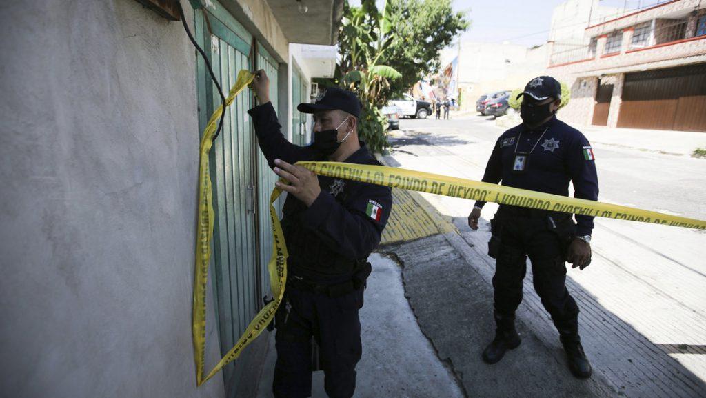 Investigadores descubren restos óseos en una vivienda en México. Foto: Agencias.