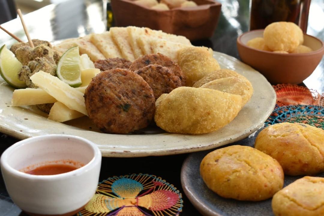 Box con comida típica del Sheraton. Foto: Sheraton.