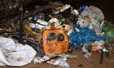 En los últimos días, una de las bombas se vio afectada precisamente por las basuras que sobrepasan las rejas. Foto: Gentileza.