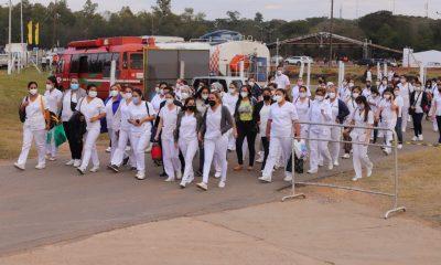 Personal de balnco ingresando para el entrenamiento. Foto: Gentileza.