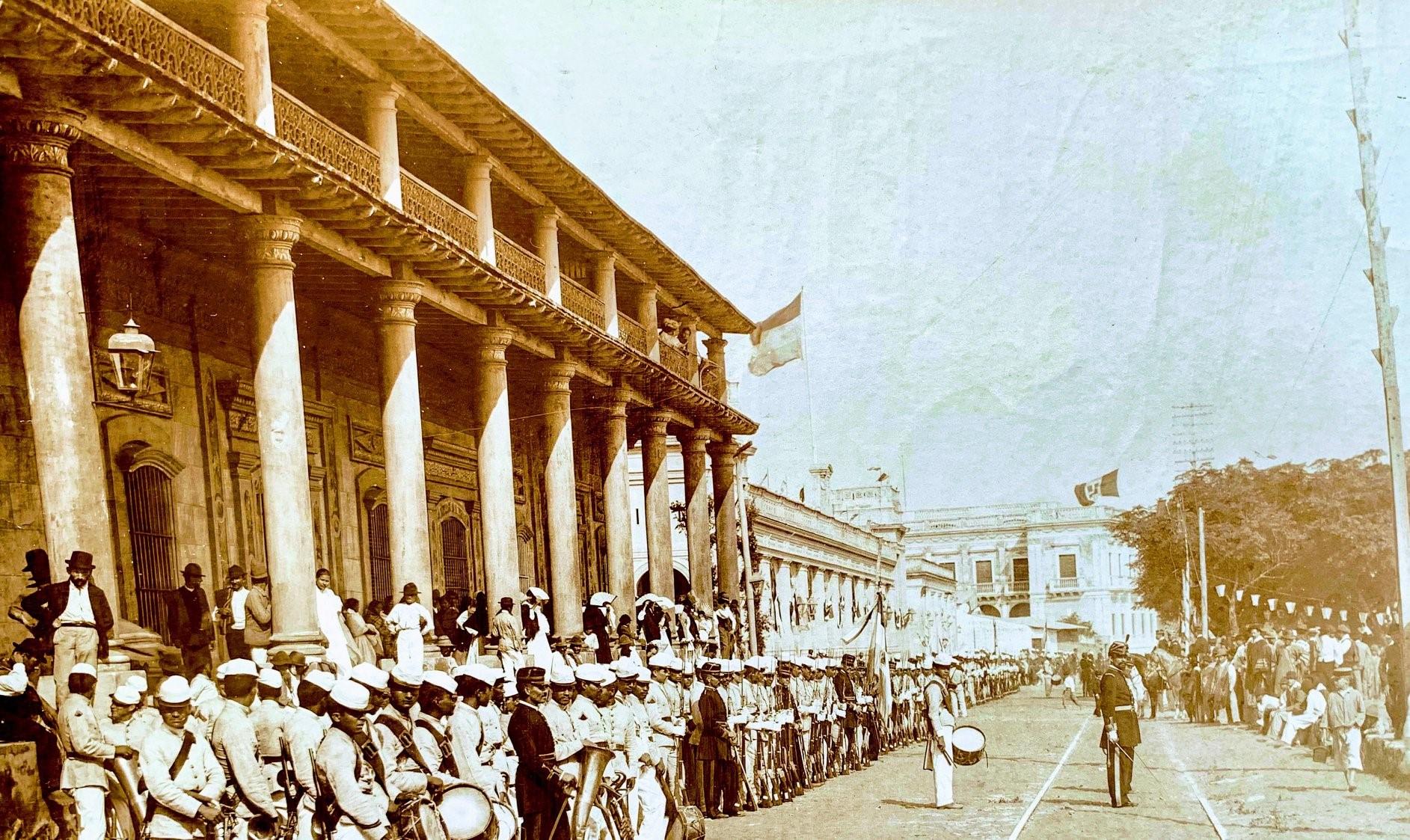 Casa de Don Carlos A. López. Fotografía de Manuel San Martín, ca. 1890. Fuente: Paraguay de antes